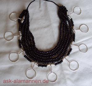 Perlenkette aus Grab 100, Basel Kleinhüningen, 5. Jhd.