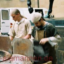 Hlorridi beim Bronzegießen WLM 2005